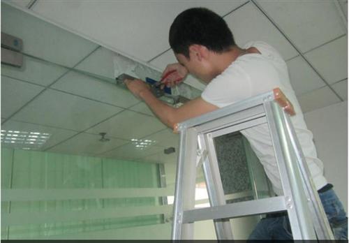 玻璃門維修4